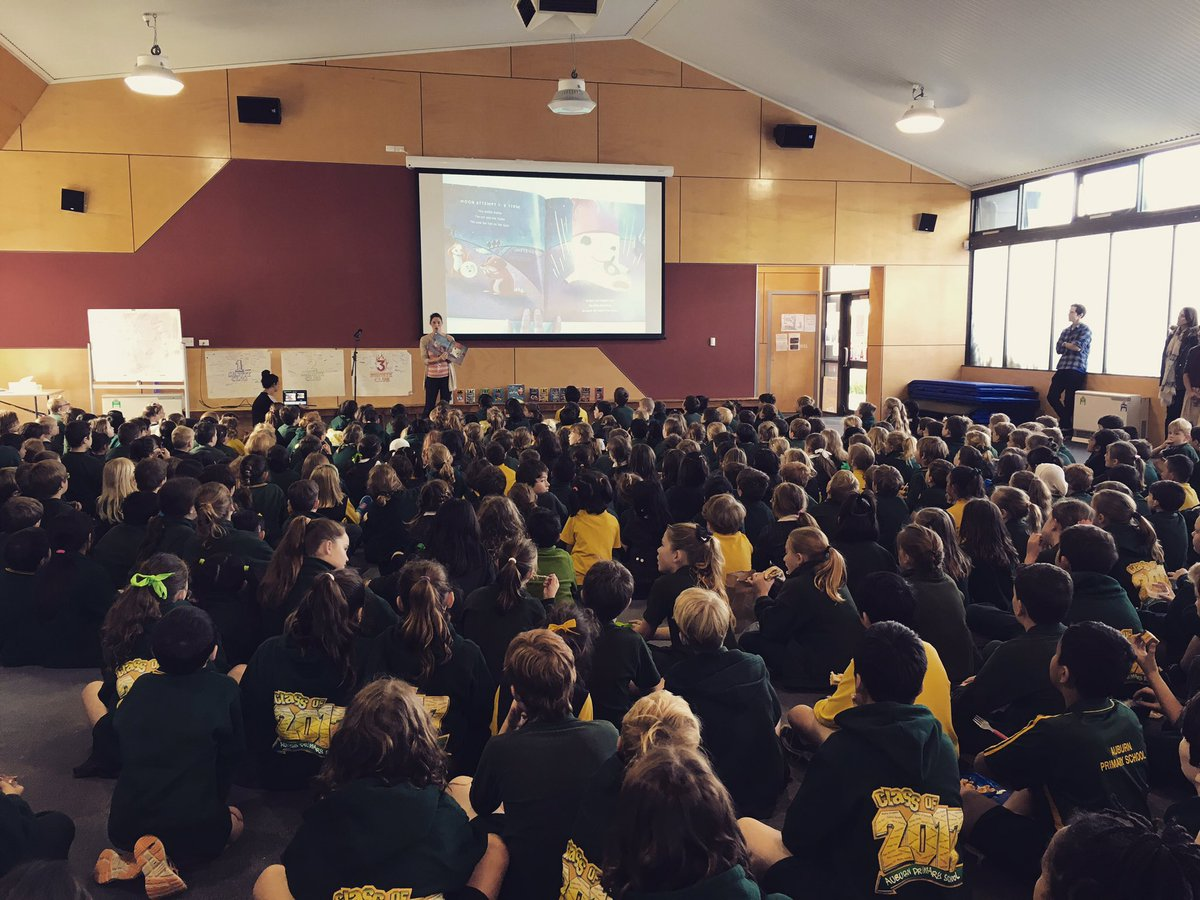 Olive Black series author Alex Lee, reading at Auburn Primary, Vic